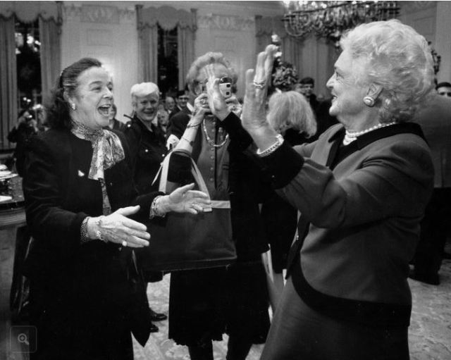 Elsie Hillman greets Barbara Bush in the White House in 1990. (Photo: Credit Robin Rombach/Pittsburgh Press-Gazette)